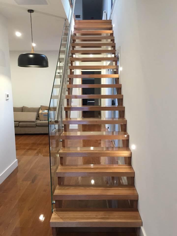 Margas metāla kāpnēm 2