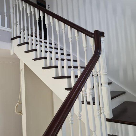 Vecā dizaina kāpnes ar virpotiem reliņiem. Projkets Zviedrijā 4