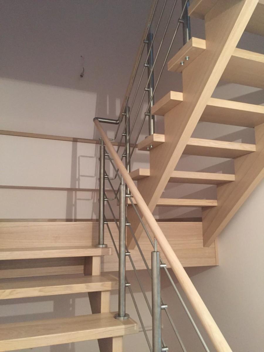 Oša kāpnes ar nerūsējošā tērauda margām un oša roku balstu 4